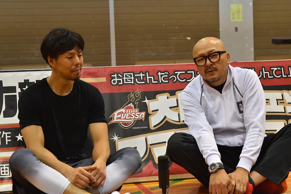 <p> 大阪エヴェッサ「ママさんバスケ教室」に木下博之選手が遊びにきてくれました。<br /> 元日本代表、ベスト5にはなんども選ばれてる木下選手と一緒プレーできてみんな嬉しそうでした!<br /> 次回は8月3日の八尾バスケ祭り2019で木下選手にきてもらいます!</p>